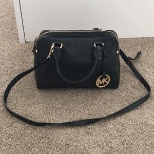 💯authentic Michael Kors black leather satchel bag